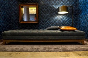 lounge-609383_640