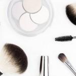 Rozświetlacz do twarzy – naturalne piękno
