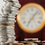 Pożyczka, a kredyt